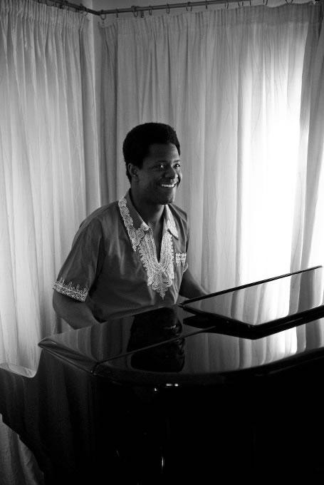 Jonathan Fashole Luke image