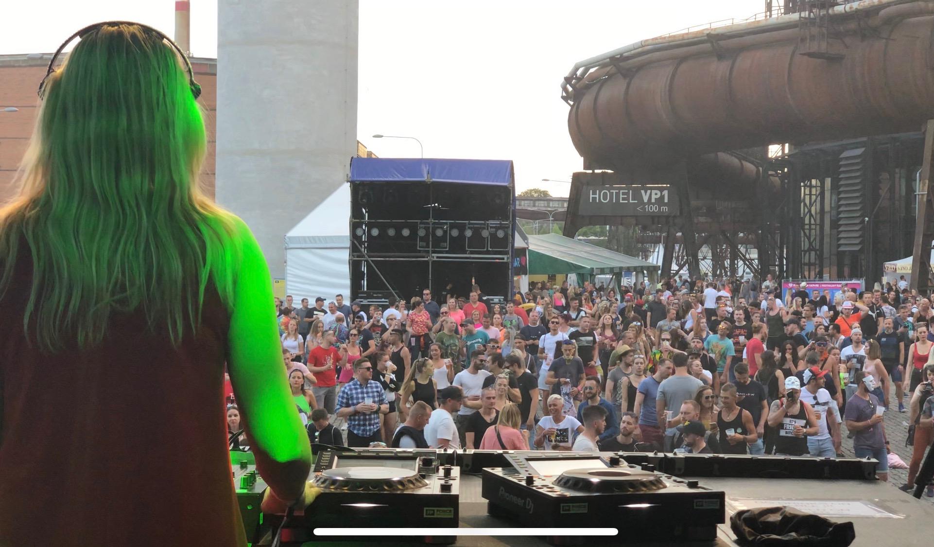 DJ MeryEn feat. Annie Black image